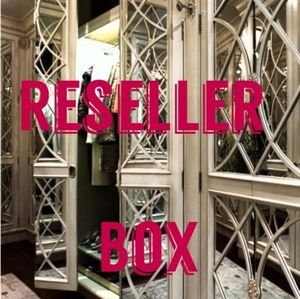 Reseller Box with Sellable Items.